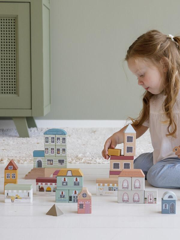 Cuburi din lemn – construcţie oraş