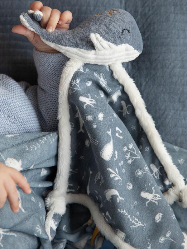 Păturică-jucărie bebeluşi Balena Ocean Blue