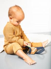 Salopetă tricotată bebe Yaci caramel